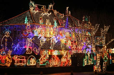 Residents Want Changes To The Wonderland At Roseville Christmas Light Display  National News