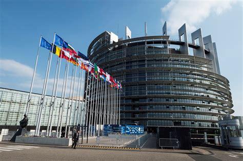 siege du parlement europeen assistants parlementaires européens perquisition au