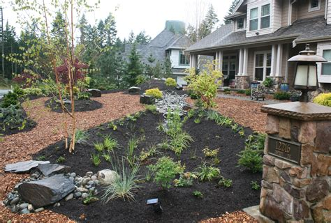 Simple Backyard Landscape Designs by 8 Simple And Easy Landscaping Ideas Houselogic