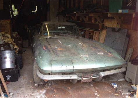 amazing barn finds pics 1966 corvette big block barn find corvette sales