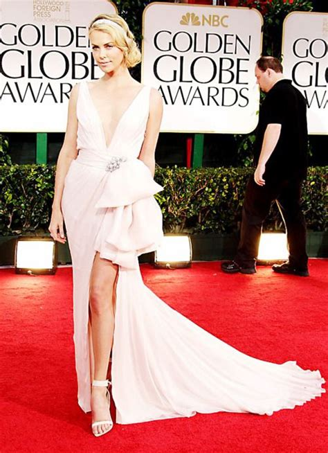 abiti tappeto rosso charlize theron the entire getup fashion is my