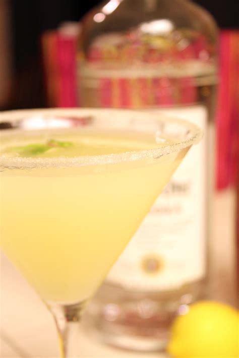 lemon drop martini lemon drop martini mixology pinterest
