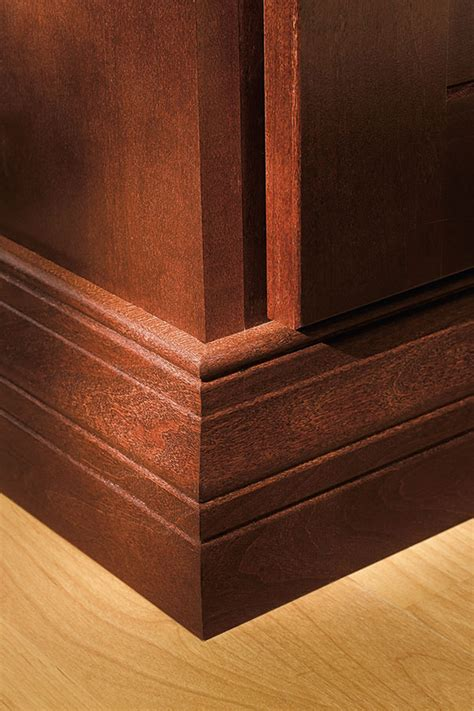 baseboard moulding diamond cabinetry