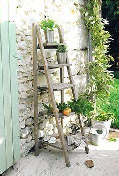 bricolage de jardin 233 tag 232 re porte plantes en vieil escabeau 201 chelles en bois vieilles