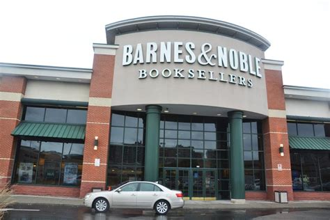 Barnes And Noble Bronx by Readers Rejoicelectores Se Regocijan The Bronx Free Press
