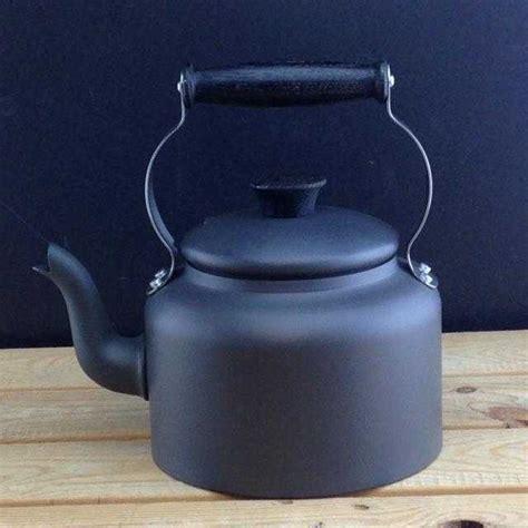 traditional large  pint kettle  black ebonised oak handles   stock