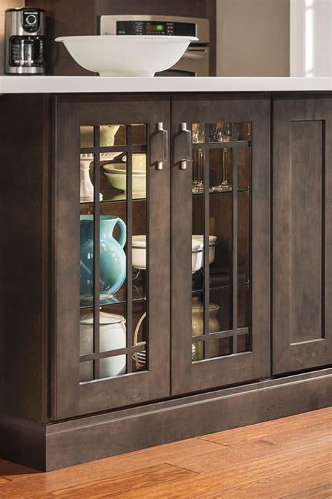 mullion kitchen cabinet doors base mullion cabinet doors aristokraft cabinetry