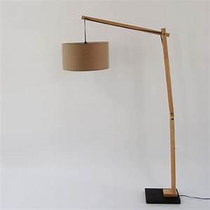 Lampe Design Bois : marbella cknut liseuse bois tissu taupe h1535cm lampadaire ~ Teatrodelosmanantiales.com Idées de Décoration