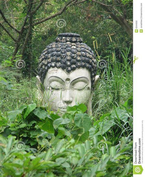 Japanischer Garten Leverkusen Plan by Buddha Statue In The Jungle Stock Photo Image 6344000