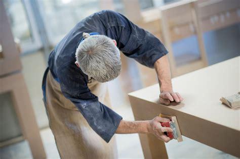 Kiefer Tisch Abschleifen by Holztisch Abschleifen Und Lasieren Ostseesuche