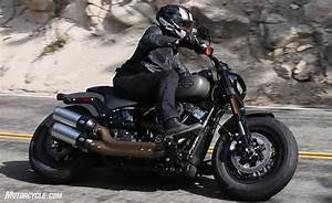 Harley Fat Bob : 2018 harley davidson fat bob 114 review first ride ~ Medecine-chirurgie-esthetiques.com Avis de Voitures