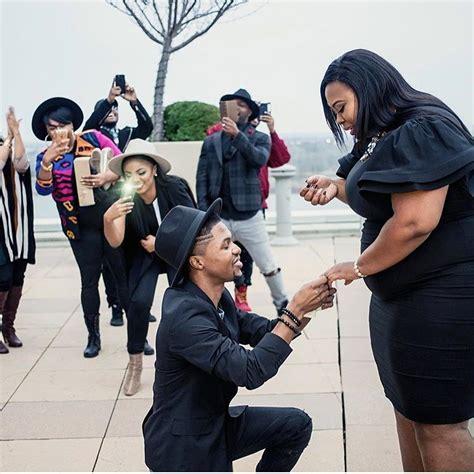 man kneels  propose   big girlfriend