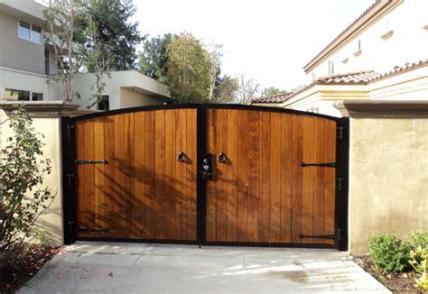 vinyl wood aluminum glass fencing contractor laguna hills ca gates fences patio covers