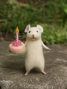 Happy Birthday Maus : birthday needle felt mouse white mouse needle felt animal miniature birthday gift home decor ~ Buech-reservation.com Haus und Dekorationen