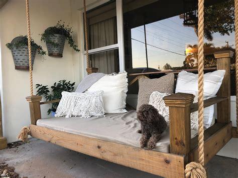 rustic veranda decor ideas    exterior cozy