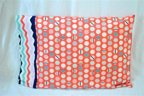 Easy 15-minute Pillowcase By Lindsay Sews