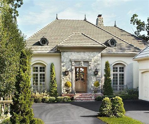 25+ Best Ideas About Tudor Style Homes On Pinterest