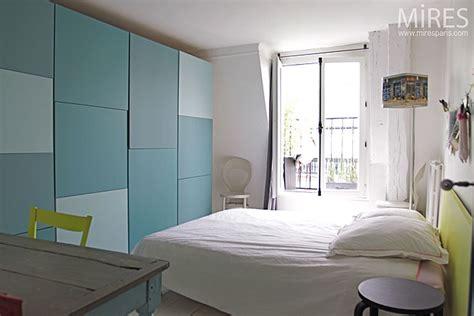 chambre blanche et bleu chambre blanche et carrés bleus c0136 mires