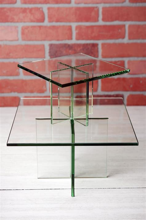 clear glass plate display stand