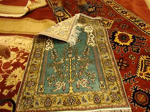 Turkish carpets and rugs turkish travel blog for Traditional turkish carpets