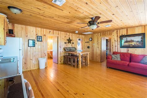 tree house lodge frio river cabins  rent