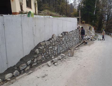 Betonmauer Mit Natursteinen Verkleiden by Naturstein St 252 Tzmauer In Obergantschier Bitschnau Bau