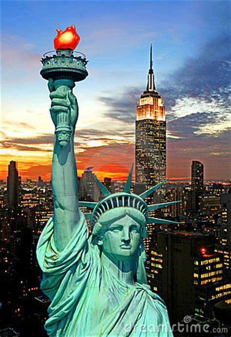 statue  liberty   york city skyline royalty