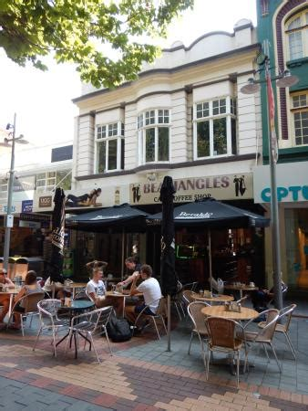 But when the sun's out, locals flock to this coffee shop that has a covered patio, as well as outdoor tables. Outdoor and indoor seating - Picture of Beaujangles Cafe Coffee Shop, Hobart - Tripadvisor