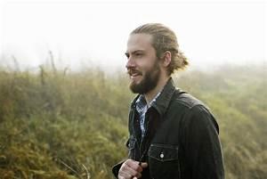 Comment Avoir Les Cheveux Long Homme : et si vous passiez au man bun le chignon pour homme coiffure ~ Melissatoandfro.com Idées de Décoration