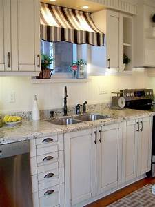 Cafe kitchen decorating pictures ideas tips from hgtv for Kitchen cabinets lowes with old world metal wall art