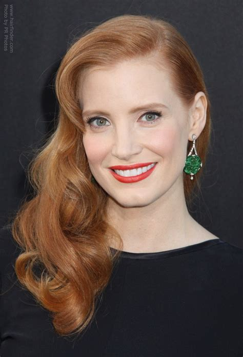jessica chastain wearing  hair  curls  styled