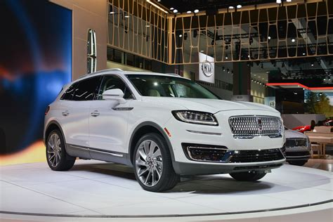 Lincoln 2019 : 2019 Lincoln Nautilus Sets Sail For Luxury Crossover Suv
