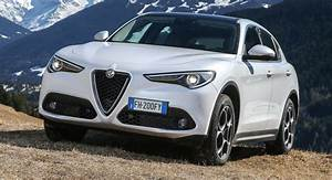 Alfa Romeo Stelvio Versions : alfa romeo announces base 2018 stelvio with 280hp for the usa ~ Medecine-chirurgie-esthetiques.com Avis de Voitures