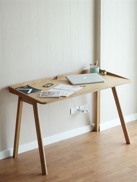 robin desk  behance