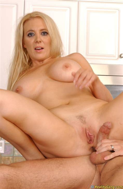 Milf Cruiser Blonde Milf Home Sex At Amateurindex Com