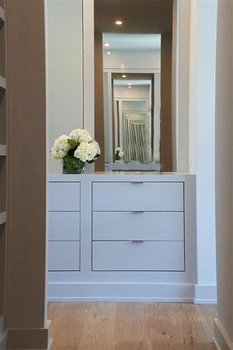 Closet Dresser by Best 25 Built In Dresser Ideas On Closet