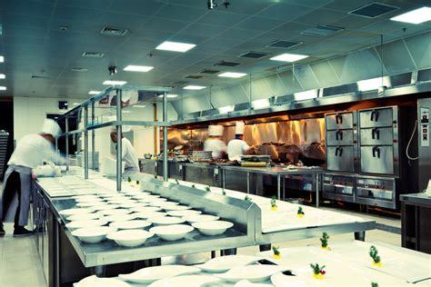 hotel kitchen design veja layouts para tr 234 s tamanhos de cozinha profissional 1706