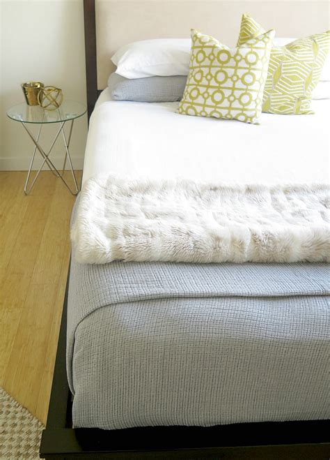How To Your In Bed by How To Easily Make Your Bed Just Like The Hotels Do