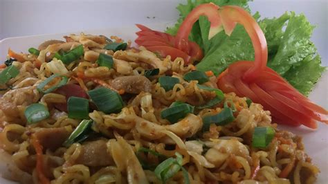 Resep mie aceh khas aceh sederhana istimewa spesial asli enak. Resep Mie Goreng Aceh Pedas Sajian Sedap - Selera Desaku