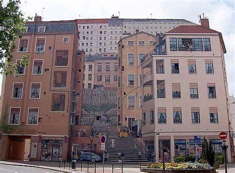 la maison des ensembles photo fresques de lyon vue d ensemble de la maison des canuts