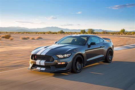 2015 Chevrolet Camaro Z/28 Vs. 2016 Ford Shelby Gt350r