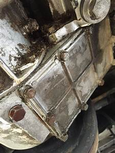 My Landrover 90 Leaking Oil Is It Normal   Please Help