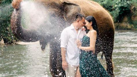 Cuti saat menikah tidak hanya membutuhkan waktu satu hari saja, namun bisa jadi beberapa hari. Jelang Hari Istimewa, Kalina Oktarani Pamer Surat Izin Numpang Nikah
