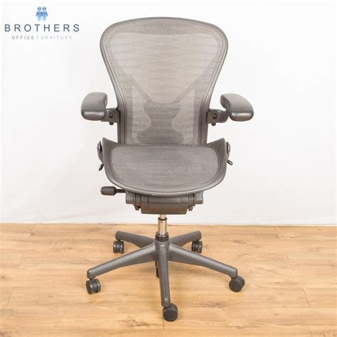 Aeron Chair Size Marking by Herman Miller Aeron Chair Tuxedo Size B