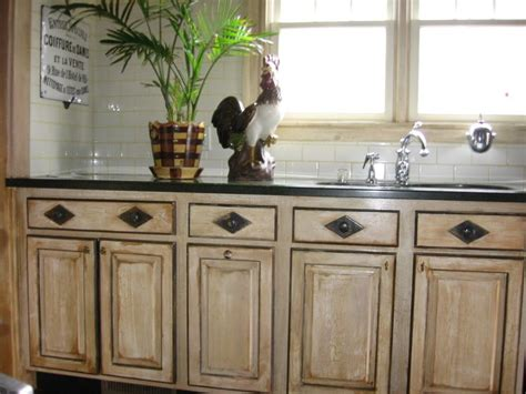 faux painted kitchen cabinets 1000 images about faux painting on rusted 7182