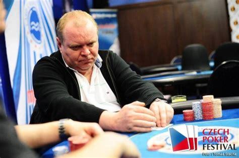 Cpf Petr Targa Vítězí Na Mistrovství Čr V 6maxu Poker