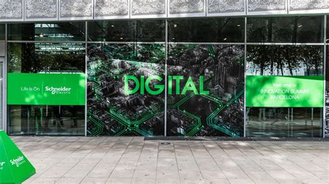schneider electric launches wall mounted micro data centre