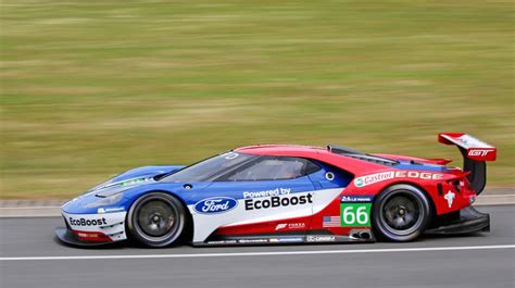 ford gt lm gte pro race car unveiled   le mans performancedrive