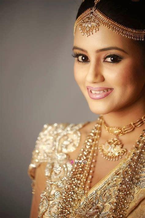 pin  yashodara rathnathilaka  kandyan brides wedding