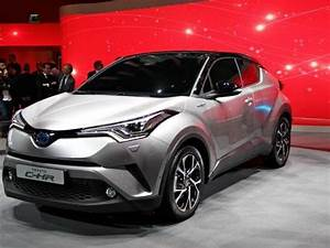 Toyota C Hr 1 8 Hybride 122 Distinctive : fiche technique toyota c hr 1 8 hybride 122 distinctive 2016 la centrale ~ Gottalentnigeria.com Avis de Voitures